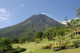 http://www.go2costarica.com/sites/default/files/arenal-volcano-viewed.jpg?1295285543